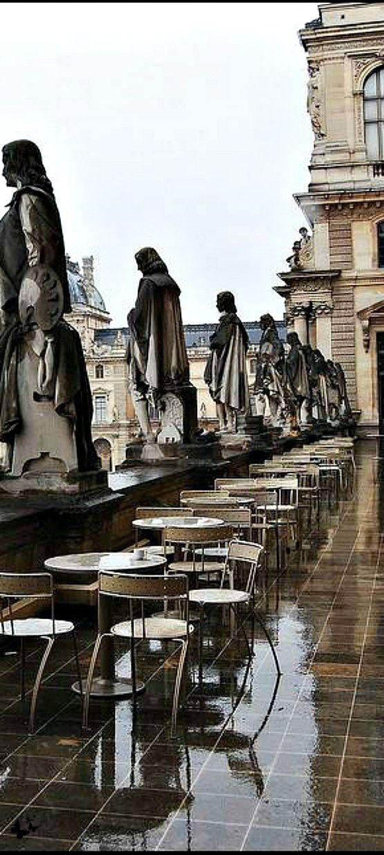Terrasse de le Louvre, Paris, France