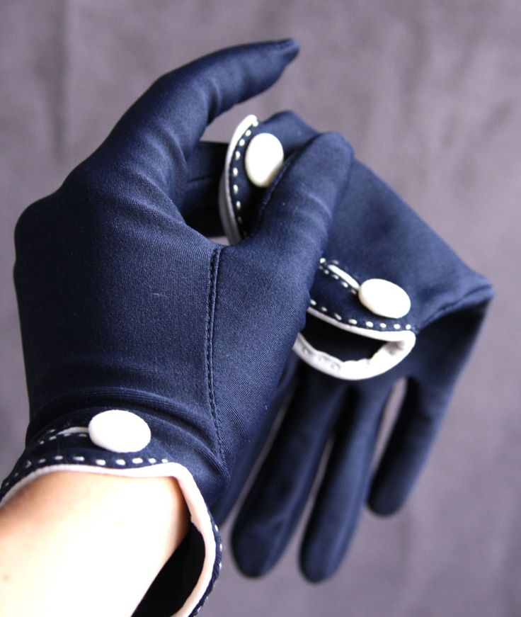 The Isotoner Gloves - navy blue - vintage - FREE US SHIPPING. $26.00, via Etsy.
