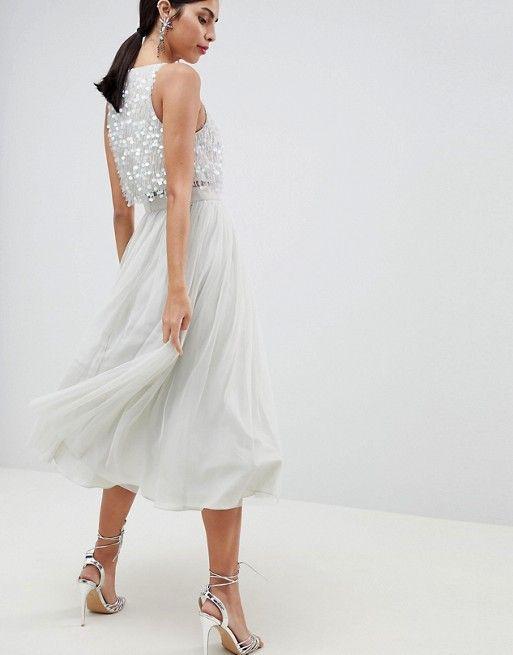 DESIGN - Robe mi-longue en tulle de bal de promo avec ornements délicats en  forme de goutte   Midi dresses, Delicate and Prom 7260ab40483e