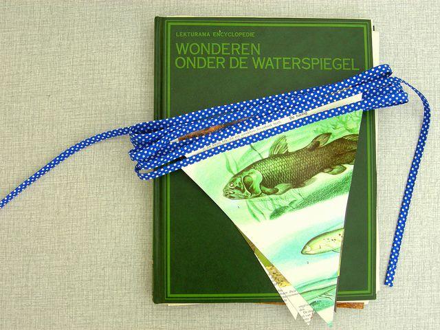 Vlaggenlijn uit papier by Ik ben Vink, via Flickr