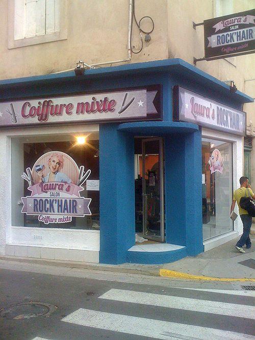 La vitrine du salon de coiffure revue et corrigée par Lux Tenebrae