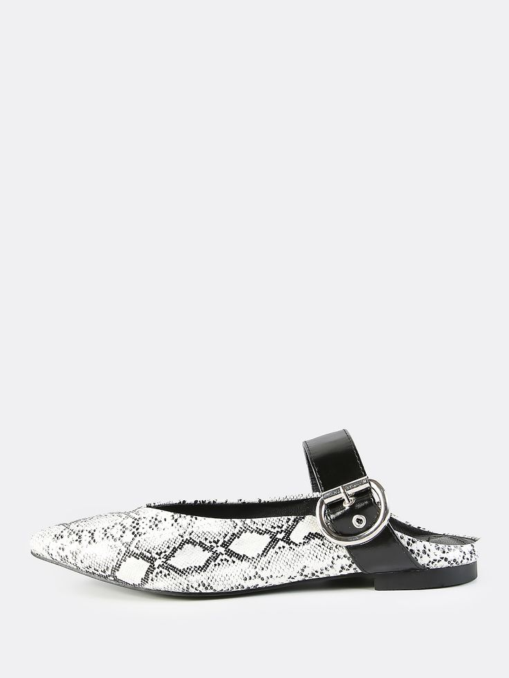 Shop Backless Point Toe Buckle Flats SNAKE online. SheIn offers Backless Point Toe Buckle Flats SNAKE & more to fit your fashionable needs.