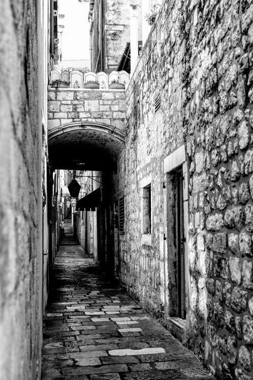 Takes a bit of luck and patience to find empty streets in Dubrovnik in the middle of the day in the summer :-)