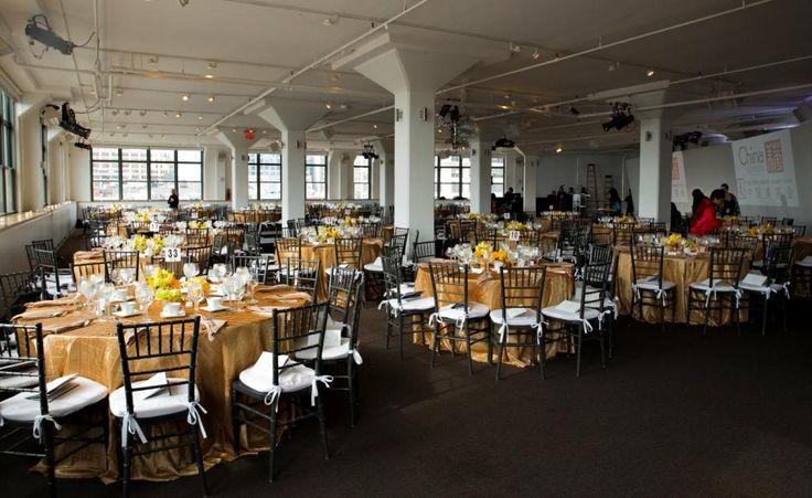 Make your dinner tables POP with a great statement table cloth - like this gold one from @ChinaInstitute 's #chinafashiongala with #chinabeautycharityfund! . . . . #tribeca360 #tribecathreesixty #threesixty #nycfashion #fashionnyc #fashion #fashionshow #nycvenue #nycconference #nyceventprof #nyceventdesign #venues #conference #meeting #event #meetings #events #meetingspace #eventdesign #eventprofs #venuestyling #eventprof #eventstyling #eventplanner #eventdecor #venuedesign #nycvenuestyling…