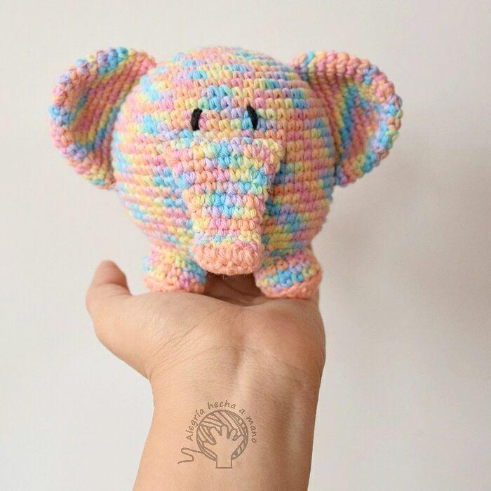 """409 Likes, 8 Comments - ALEGRIA HECHA A MANO (@alegriahechaamano) on Instagram: """"Me encanta cuando mis clientas le dan vida a mis diseños más antiguos 😍 Este elefantito fue uno de…"""""""