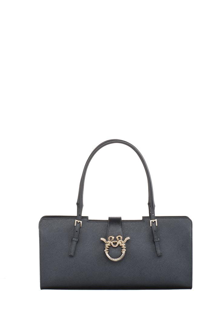 "MAGRÌ 'BAGUETTE"" shown in Saffiano Leather  #magri_handbags #magri #craftedinflorence #italianstyle #TimelessElegance #Sophisticated #MadeInItaly #italianCraftmanship #ItalianGlamour #luxuryHandbags #Handbags #powerbags #magribag @magriofficial #gentlemanclub #etabetapr #magripress www.magri.com"