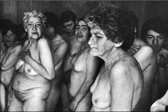 OLTRE IL MURO: ARTE e FOTOGRAFIA: PAZ ERRÁZURIZ | PHOTOGRAPHER