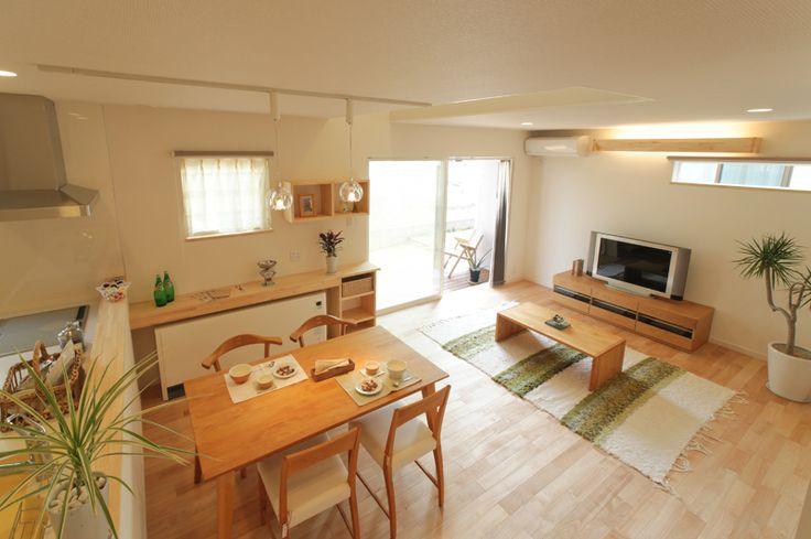 家族が集まるために建具を外すとワンルームとなるリビングが特徴的なシンプルデザインのマグハウスの作品事例です。
