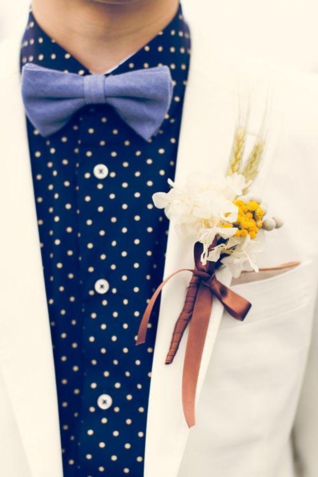 結婚式のメインはやっぱり花嫁になりますが、そのとなりにいる新郎ももちろん主役!そんな彼に着てもらいたいお洒落なタキシードコーデをご紹介します♡