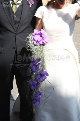 http://www.lemienozze.it/gallerie/foto-bouquet-sposa/img33533.html Bouquet a cascata di orchidee lilla