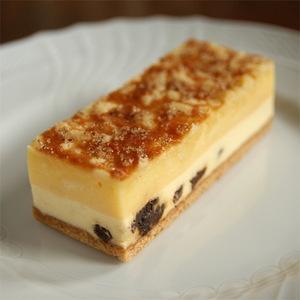 「ドゥブルベ・ボレロ」一番人気のチーズケーキ。【アイアシェッケ化粧箱入】