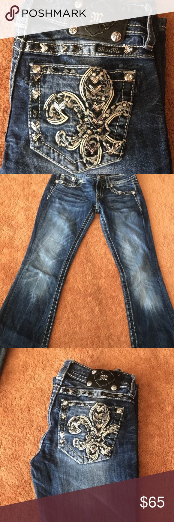 Miss Me Jeans Dark wash Miss Me brand jeans with sparkly studded back pockets-size 25 Only worn twice!! Miss Me Jeans Boot Cut