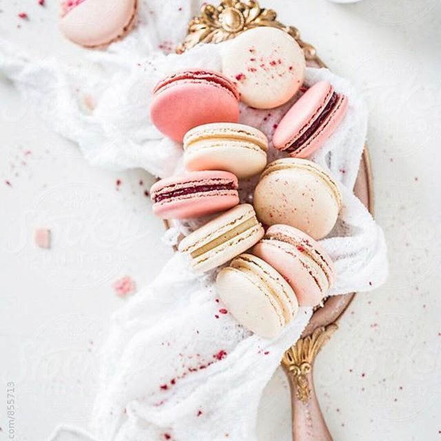 We never say know to desserts...hence why we design dresses with stretch in them 🙊 #dessert #curvyconfidence #macarons #yummy