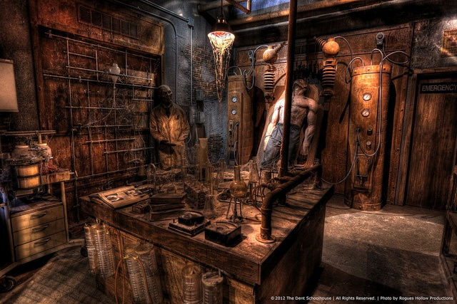 137 best images about haunted room ideas on pinterest for Halloween haunted room ideas