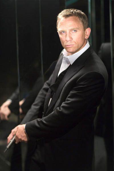 http://www.jbsuits.com/categories/Daniel-Craig-Suits/
