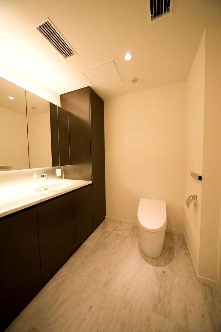 あきめないで!トイレに洗面スペースをつくって快適生活を実現しよう ... リフォーム・リノベーション会社:株式会社リフォームキュー「専有面積200m2のビンテージマンション