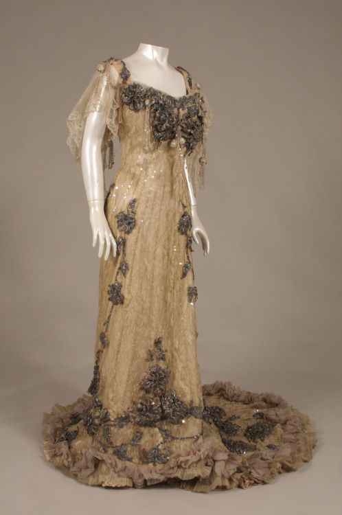 fripperiesandfobs:Redfern evening dress ca. 1904 From the Museum of the City of New York via the Huffington Post
