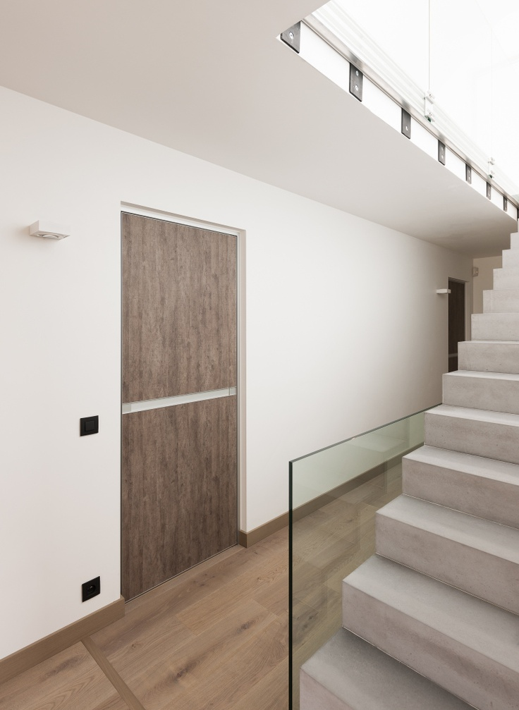 Strakke binnendeuren met woodprint. Modern interior doors with woodprint finish.