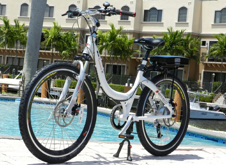 The beautiful pure white gloss finish and contemporary style of the Stride R make this e-bike a standout. The Stride R is full sized step-through bike with 8 speeds which provide a smooth, easy and enjoyable ride.