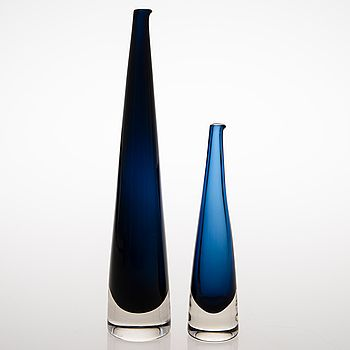 "Timo Sarpaneva - Art glass carafes ""Jääpuikko"" (An Ice stick), (h. 26 cm & 39 cm), originally designed in 1958 for Iittala, Finland."