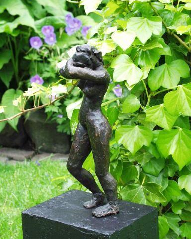 Wanhoop gemaakt in brons