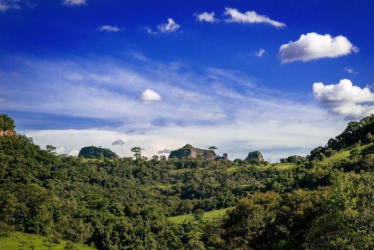 Semana será de sol e sem previsão de chuva em Botucatu -     Nesta segunda-feira, dia 27, o tempo segue estável, com sol entre poucas nuvens e com chance para chuvas isoladas, no período da tarde, especialmente nas regiões oeste, noroeste e norte do estado de São Paulo.  Estas condições permanecem, pelo menos, até a próxima quinta-feira - http://acontecebotucatu.com.br/geral/semana-sera-de-sol-e-sem-previsao-de-chuva-em-botucatu/