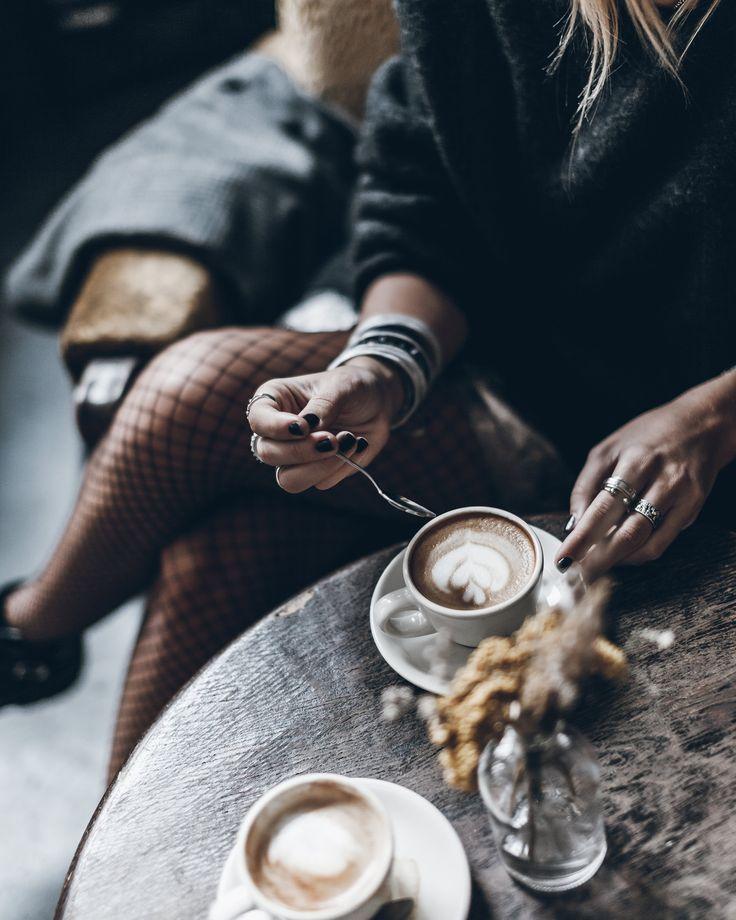 Mikuta - Fishnet and coffee