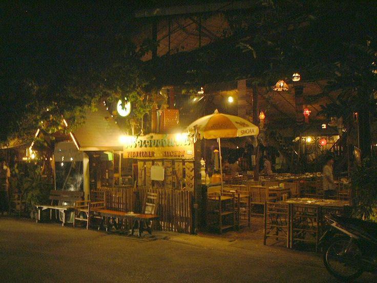 "Restrant ""Vientian Kitchen"" , Sukhumvit Soi 36 / ベトナム料理&タイ東北地方レストラン「ヴィエンチャン・キッチン」、スクムヴィット・ソイ36"