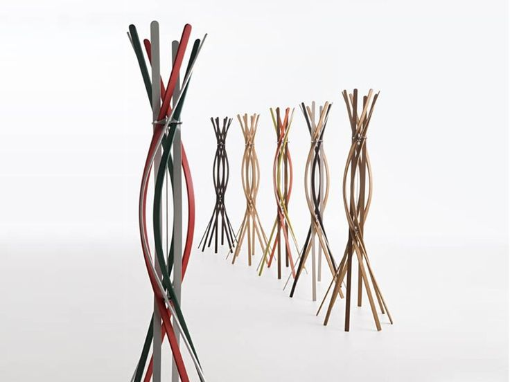 Cabide de pé de faia TWIST by HORM.IT | design Patrizia Bertolini, Chiristof Burtscher