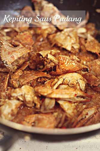 Kepiting Saus Padang (Chili Crab) - a favorite!  Indonesian Food #Indonesian recipes #Indonesian cuisine #Asian recipes #Asian cuisine http://indostyles.com/