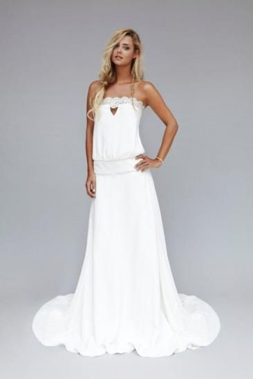 In love with the cut of this Rime Arodaky dress! Relaxed & boho chic. Love the lace also!