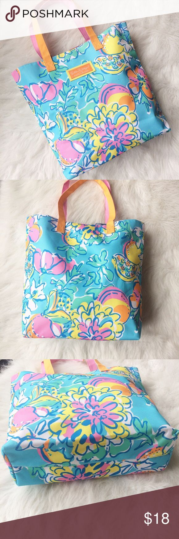 Lilly Pulitzer for Estée Lauder Tote Bag Add a little color and playfulness to your day to day life with this Lilly Pulitzer for Estée Lauder tots bag. Perfect for carrying books, groceries from farmers market or your every day essentials! In excellent condition. Height 14 inches, width 15.5 inches with a 8.5 drop. No trades, offers welcome! Lilly Pulitzer Bags Totes