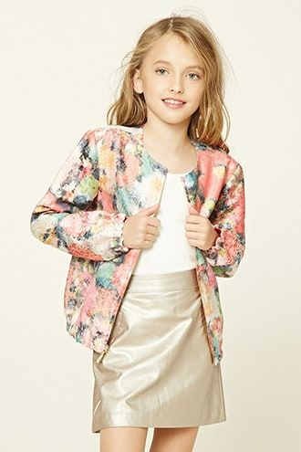 ¡Cómpralo ya!. Girls Floral Bomber (Kids). details   Forever 21 Girls - A woven bomber jacket featuring an allover brocade floral print, a round neckline, a zipper front with a high-polish pull, an elasticized hem, long sleeves with elasticized cuffs, front slanted welt pockets, and a contrasting lining.  Content + Care   - Shell: 57% polyester, 33% acrylic, 10% metallic yarn- Lining: 100% polyester- Hand wash cold- Made in China  Size + Fit  - Model is 4'3%22 and wearing a Size 7/8- Full…