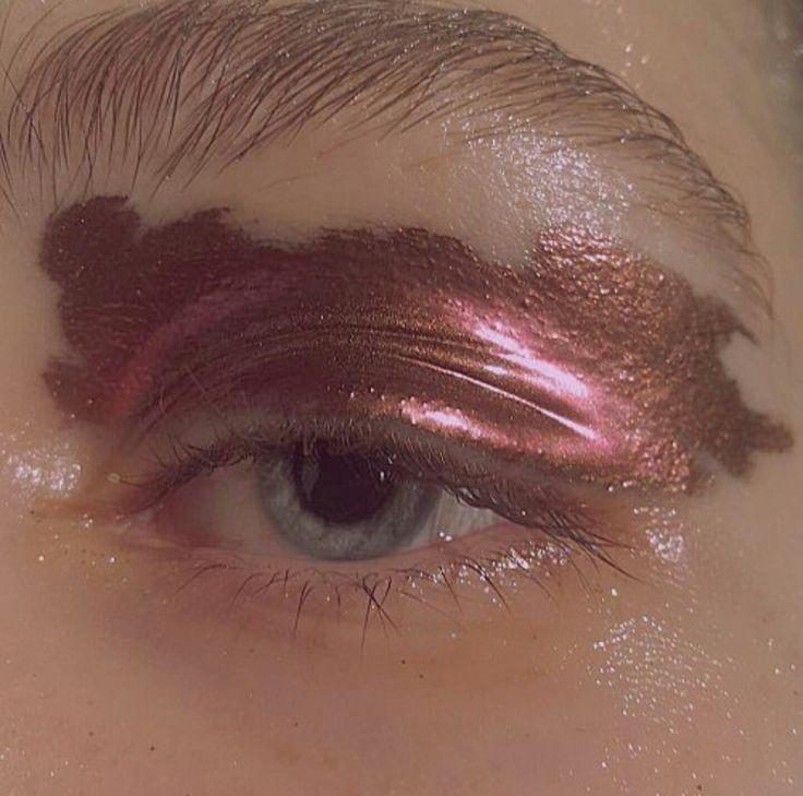 Metallic eye makeup inspo!