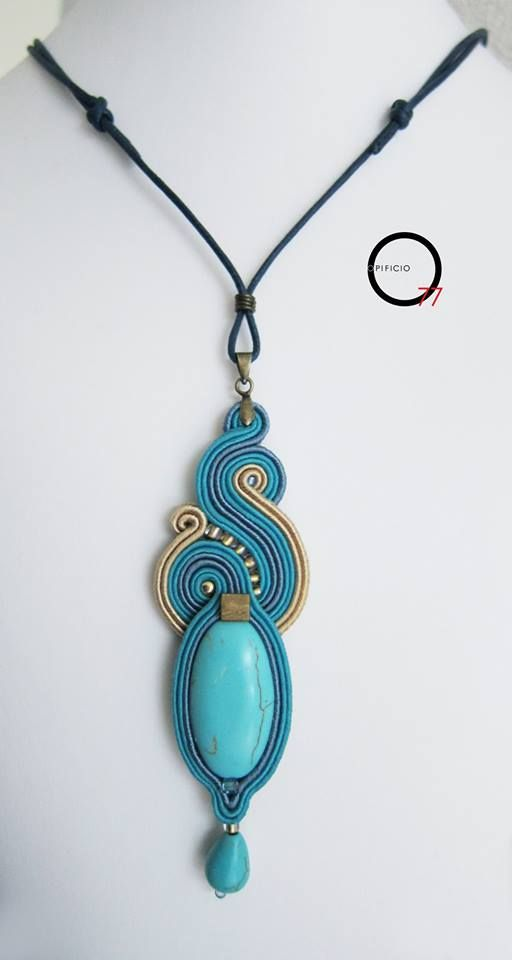Pendant soutaches sky and sand , medallion and drop in turquoise paste , rocailles beads . Design Jade Zampar