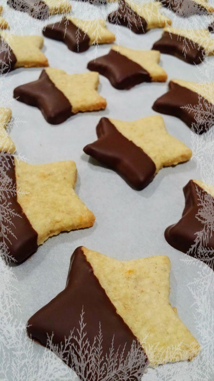 Nem késő feltölteni a karácsonyi kekszesdobozt még most sem, ezek a kekszek szuperül megpuhulnak addigra, de frissiben is fogyaszthatók. A ...