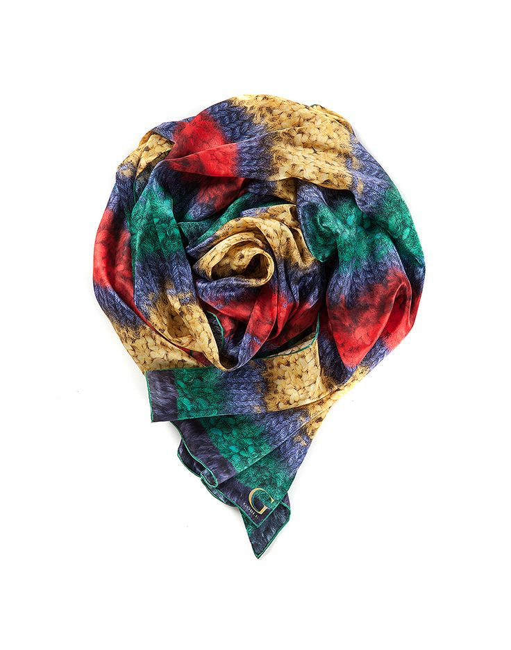 TO CELEBRATE CANADA'S 150TH YEAR in 2017, GŌBLE CREATED THE CANADIANA COLLECTION. SILK PRINT SCARVES FOR WOMEN in luxurious satin silk in Canadiana Maritimes GŌBLE luxurious rectangular silk print scarves elevate any outfit with the grace and artistry of trompe l'oeil. GOBLE.CA