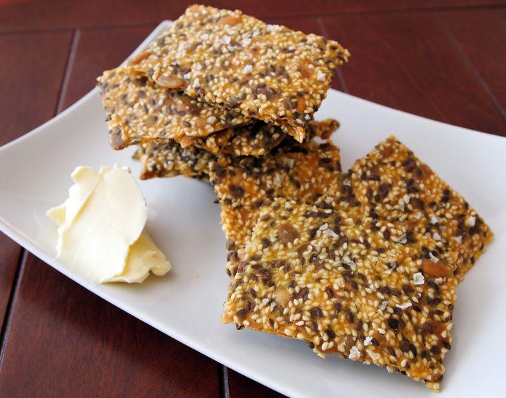 Glutenfritt knäckebröd med frön och majsmjöl Gluten free crisp bread - use polenta and seeds