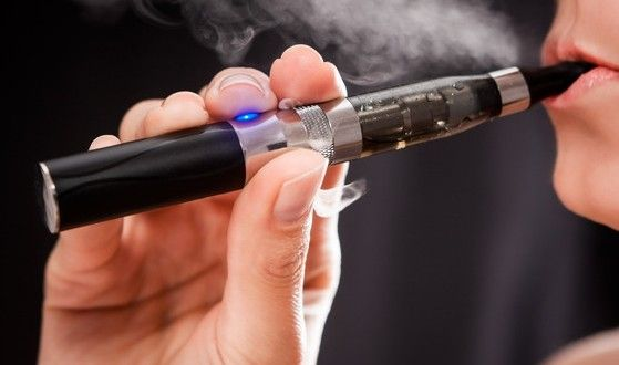 Er elektroniske cigaretter bedre end de andre nikotinholdige midler, såsom nikotinholdige plastrer?