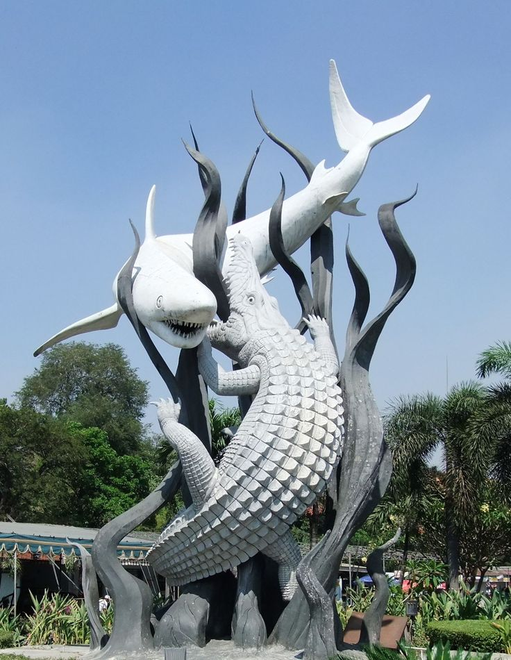 Famous Landmark In Surabaya Was Amazed With The Meaning Of This Symbol When I Also Went Here Before