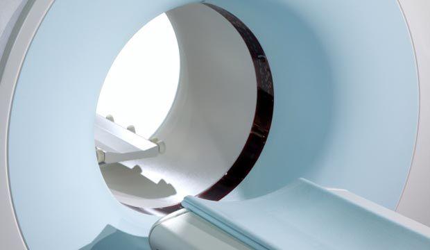 L'imagerie médicale permet de dépister plus rapidement les maladies grâce à des appareils hautement sophistiqués. Les techniques de la tomographie enregistrent des images en coupes superposées des organes et des vaisseaux sanguins.