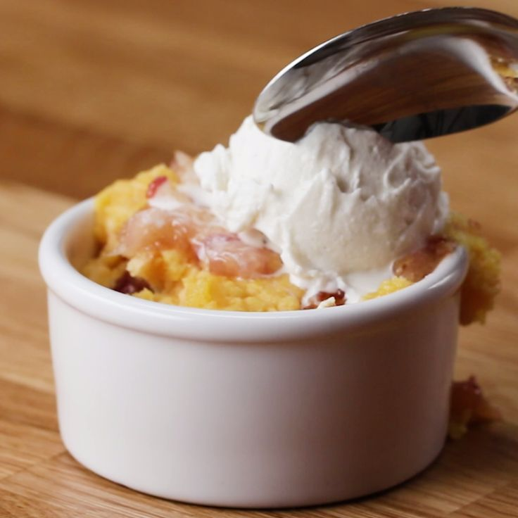 Easy Slow Cooker Cranberry Apple Pie Cobbler