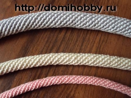 "Crocheting ""rope"" for purse handles, etc. - needs some concentration to translate, but some interesting techniques on the site"