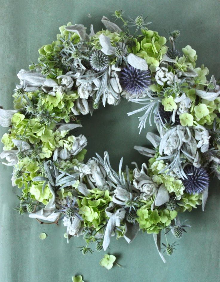 A little of this and little of that to make a delightful green wreath. <3