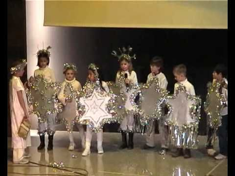 "Representación teatral infantil de la obra ""Una estrella para Jesús""."