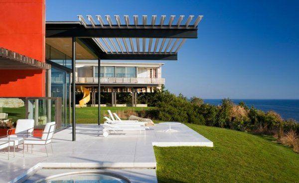 Überdachte Terrasse modern holz glas pergola markise garten