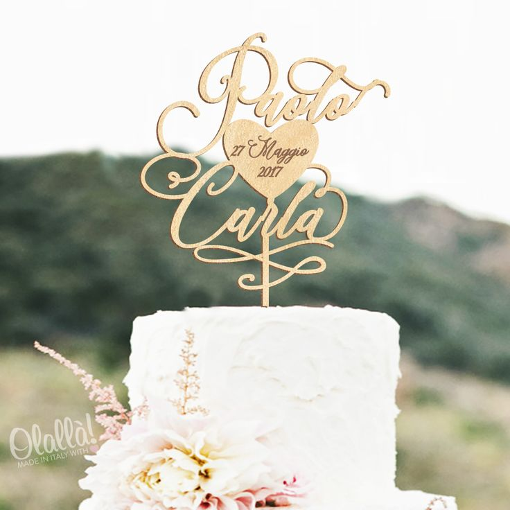 Meraviglioso cake topper personalizzato con i vostri nomi e la data del matrimonio all'interno del cuore. Dimensioni a scelta. Colori a scelta. Per ogni informazione contattateci a servizioclienti@olalla.it