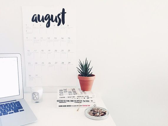 12 Month Social Media Calendar in 11x17'  Jan von matterdayz