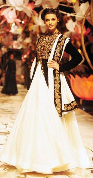 Scarlet Bindi - South Asian Fashion: India Bridal Fashion Week 2013, Day 4: Ashima & Leena and Rohit Bal