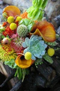 ramo de novia exotico en naranjas calabazas y verdes